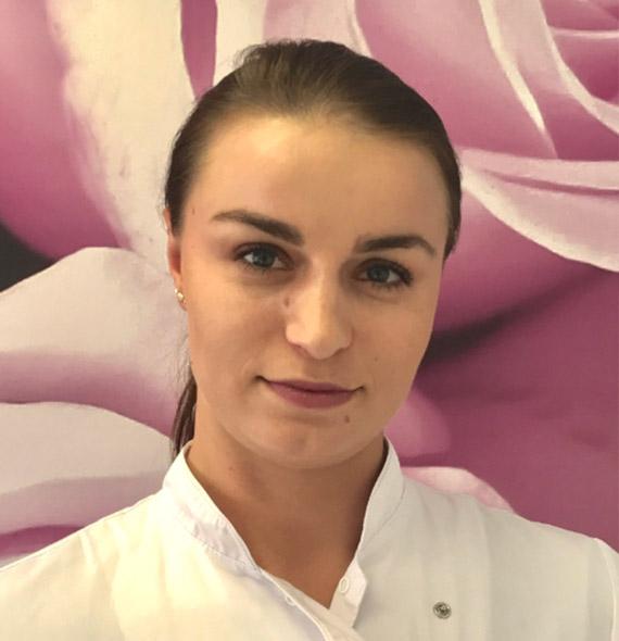 Paulina Demidenko - kosmetyczna, lingeristka, stylistka paznokci oraz rzęs